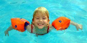 Apr09 - sela swims
