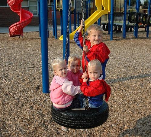 A1_jul06_park_kids