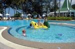 May07_pool